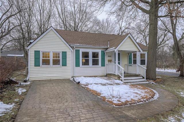 6043 Buena Vista Street, Fairway, KS 66205 (#2144736) :: Kansas City Homes