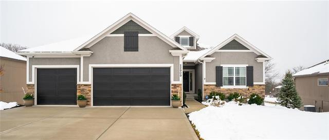 22909 E 42nd St Court, Blue Springs, MO 64015 (#2144804) :: Edie Waters Network