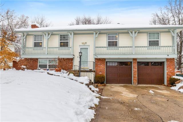 502 Stacey Drive, Belton, MO 64012 (#2144812) :: Edie Waters Network