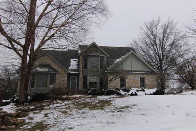 6743 Red Oak Drive, Shawnee, KS 66217 (#2144820) :: House of Couse Group