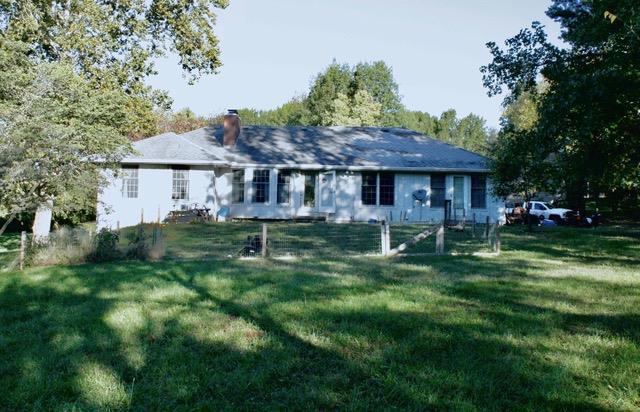 3111 Fieldcrest Avenue, St Joseph, MO 64506 (#2144849) :: Edie Waters Network