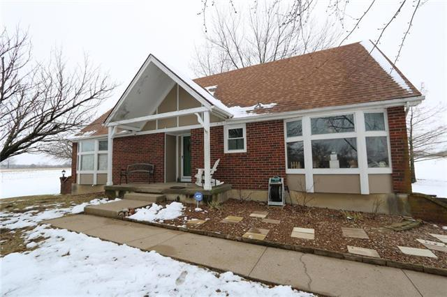 17720 S Gibbons Road, Pleasant Hill, MO 64080 (#2144859) :: Edie Waters Network