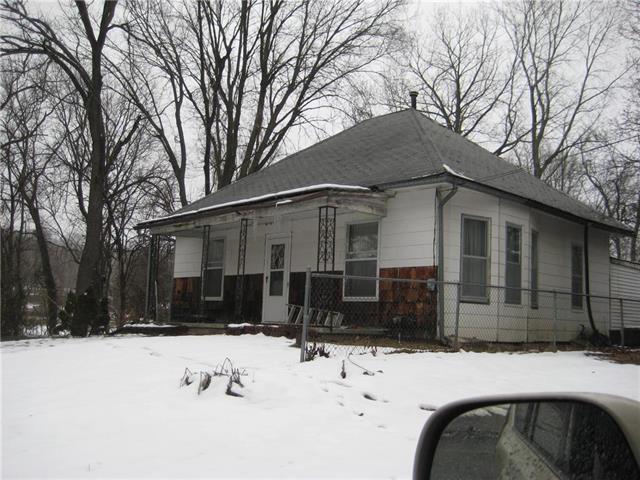 2901 S 29th Street, St Joseph, MO 64503 (#2144932) :: Edie Waters Network
