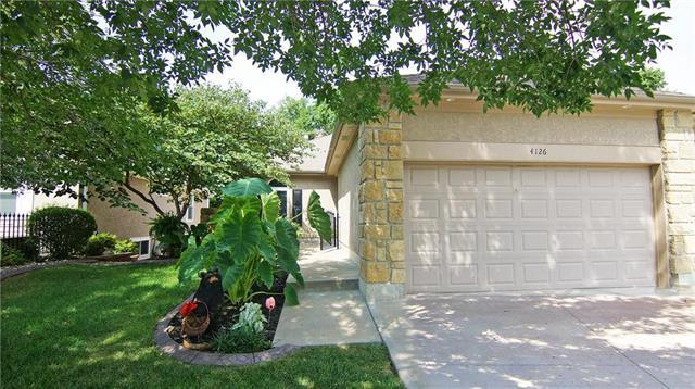 4126 SW Minnesota Drive, Lee's Summit, MO 64082 (#2144980) :: No Borders Real Estate