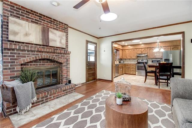 511 SW Graff Way, Lee's Summit, MO 64081 (#2145011) :: House of Couse Group