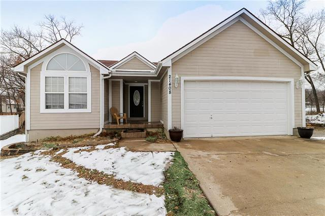 21408 E 51st St Ct S Court, Blue Springs, MO 64015 (#2145086) :: Ask Cathy Marketing Group, LLC