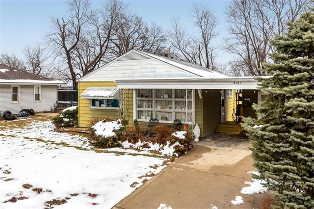 3141 S 46th Terrace, Kansas City, KS 66106 (#2145106) :: Edie Waters Network