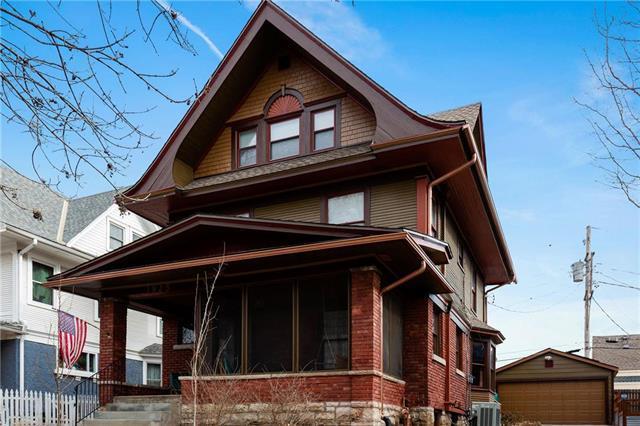 3925 Harrison Street, Kansas City, MO 64110 (#2145186) :: Edie Waters Network