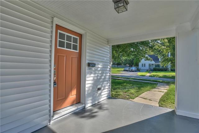 5738 Outlook Street, Mission, KS 66202 (#2145205) :: Kansas City Homes
