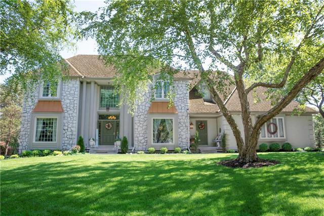 12901 Mohawk Circle, Leawood, KS 66209 (#2145232) :: Kansas City Homes