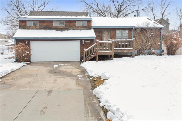 6350 Longview Drive, Shawnee, KS 66218 (#2145234) :: Kedish Realty Group at Keller Williams Realty