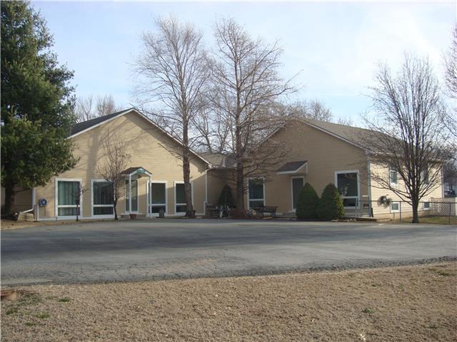 1001 S Broadway Street, Louisburg, KS 66053 (#2145268) :: Kansas City Homes