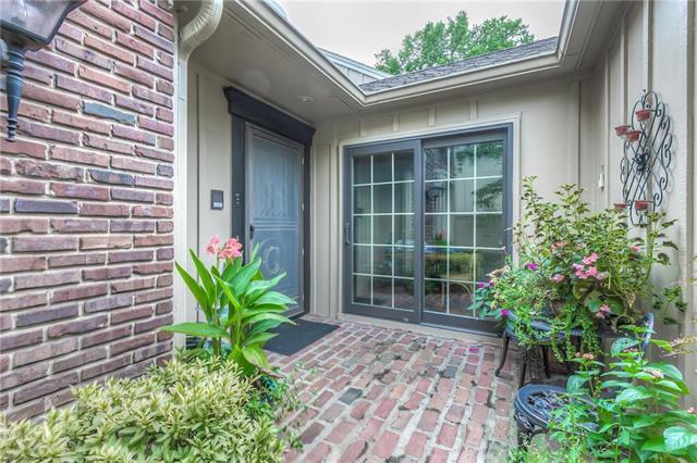 4303 W 112th Terrace, Leawood, KS 66211 (#2145292) :: No Borders Real Estate