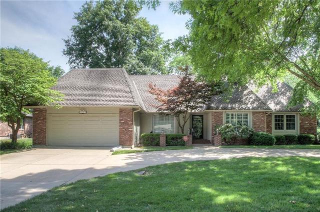 3209 W 83 Street, Leawood, KS 66206 (#2145306) :: Kansas City Homes