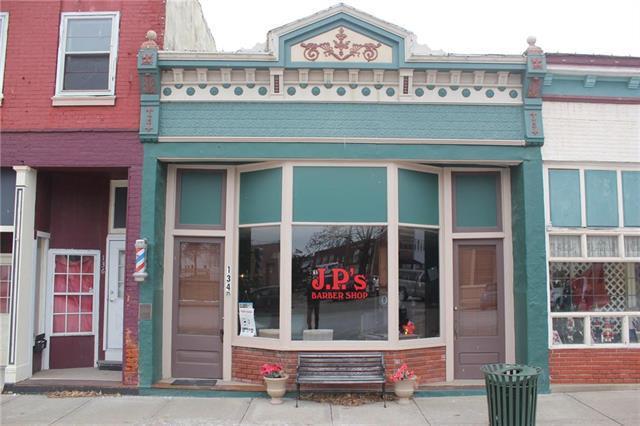 134 S 1st Street, Pleasant Hill, MO 64080 (#2145307) :: The Gunselman Team
