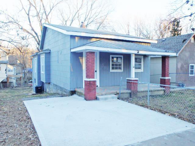 407 Monroe Avenue, Kansas City, MO 64124 (#2145342) :: Kansas City Homes