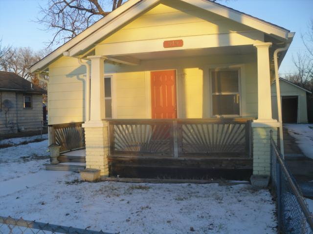 919 6th Street, Osawatomie, KS 66064 (#2145364) :: Edie Waters Network
