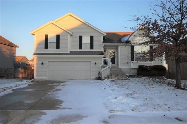 695 S Evergreen Street, Gardner, KS 66030 (#2145427) :: No Borders Real Estate