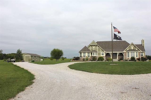 18055 Four Corners Road, Gardner, KS 66030 (#2145495) :: The Shannon Lyon Group - ReeceNichols