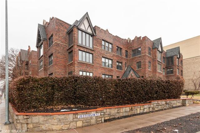 700 W 48th Street #103, Kansas City, MO 64112 (#2145542) :: No Borders Real Estate