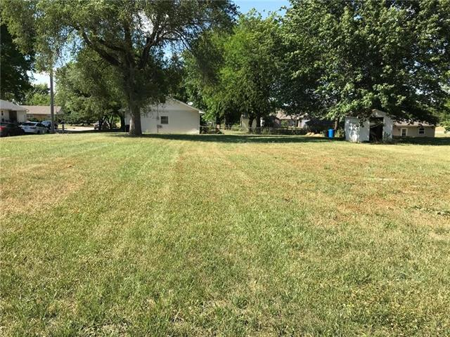 818 W 25th St Terrace, Higginsville, MO 64037 (#2145637) :: House of Couse Group