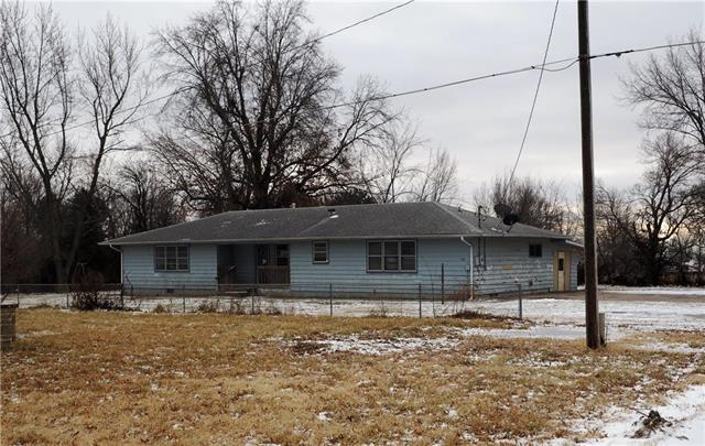 730 High Street, Garnett, KS 66032 (#2145711) :: No Borders Real Estate