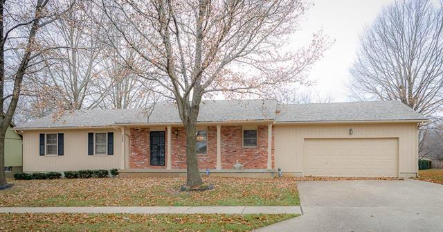 2804 S Sioux Avenue, Independence, MO 64057 (#2145733) :: Edie Waters Network