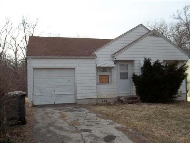 2324 N 26 Street, Kansas City, KS 66104 (#2145742) :: Edie Waters Network