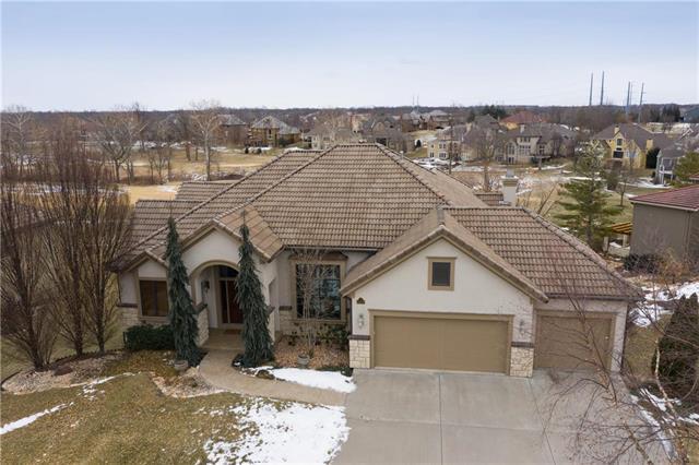 10509 N Dalton Avenue, Kansas City, MO 64154 (#2146091) :: The Gunselman Team