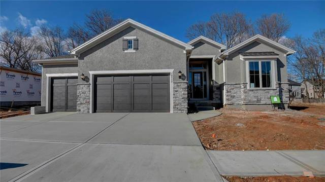 9387 Lind Road, Lenexa, KS 66219 (#2146259) :: Eric Craig Real Estate Team