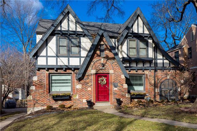 1260 W 71st Terrace, Kansas City, MO 64114 (#2146269) :: Edie Waters Network