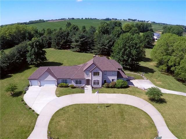 12 Summerhill Drive, St Joseph, MO 64507 (#2146295) :: Edie Waters Network