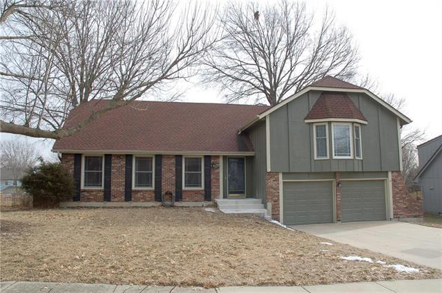 12831 Locust Street, Kansas City, MO 64145 (#2146314) :: The Shannon Lyon Group - ReeceNichols
