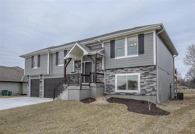 11804 Centennial Street, Peculiar, MO 64078 (#2146390) :: House of Couse Group