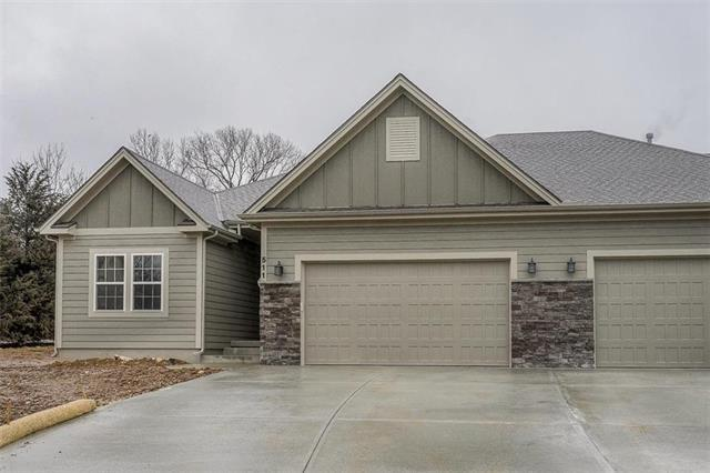 511 NW Ashurst Place, Lee's Summit, MO 64081 (#2146393) :: Eric Craig Real Estate Team