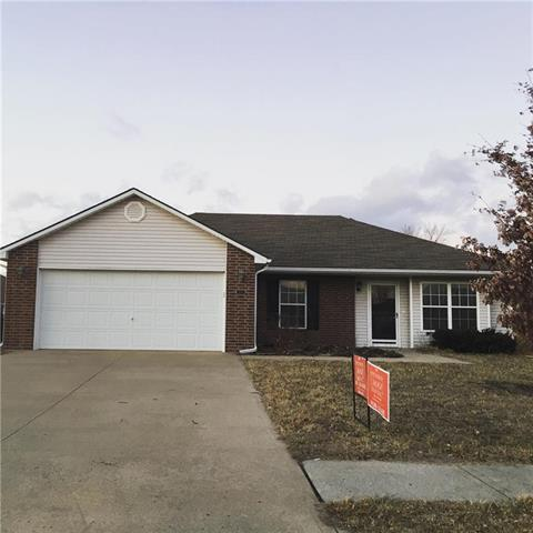 414 SW Graystone Drive, Grain Valley, MO 64029 (#2146425) :: Edie Waters Network
