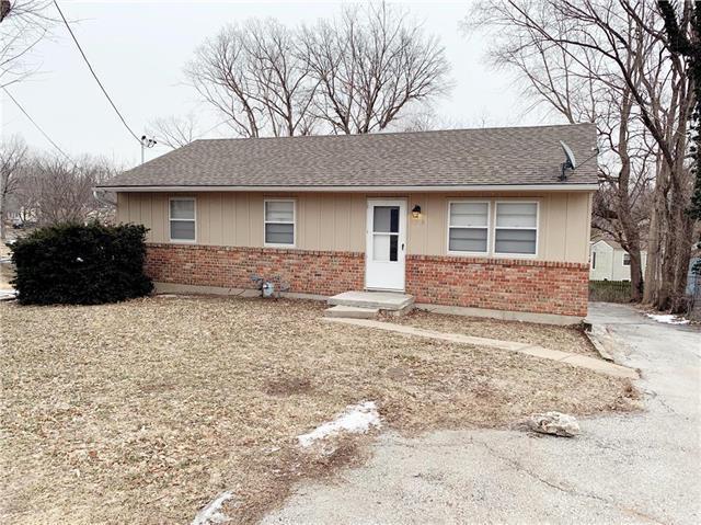 4209 N Brighton Avenue, Kansas City, MO 64117 (#2146432) :: Edie Waters Network