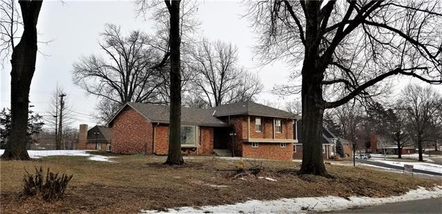 1008 Southwind Drive, Excelsior Springs, MO 64024 (#2146507) :: Edie Waters Network