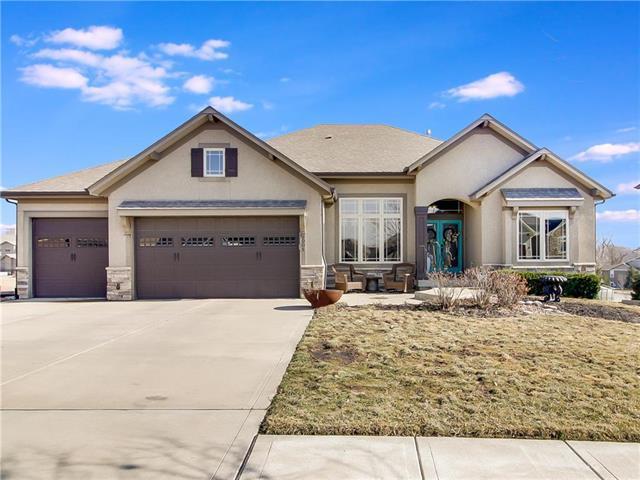 9005 N Seymour Avenue, Kansas City, MO 64153 (#2146516) :: House of Couse Group