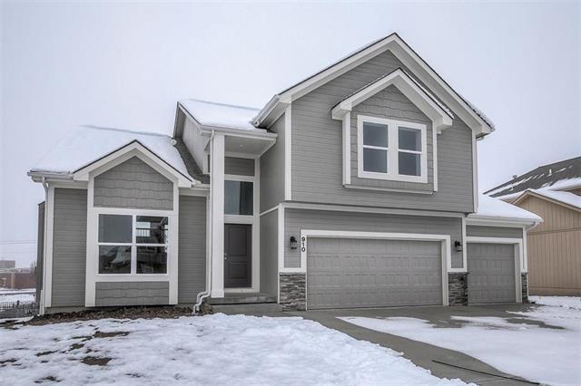 910 Kodiak Street, Raymore, MO 64083 (#2146533) :: Edie Waters Network
