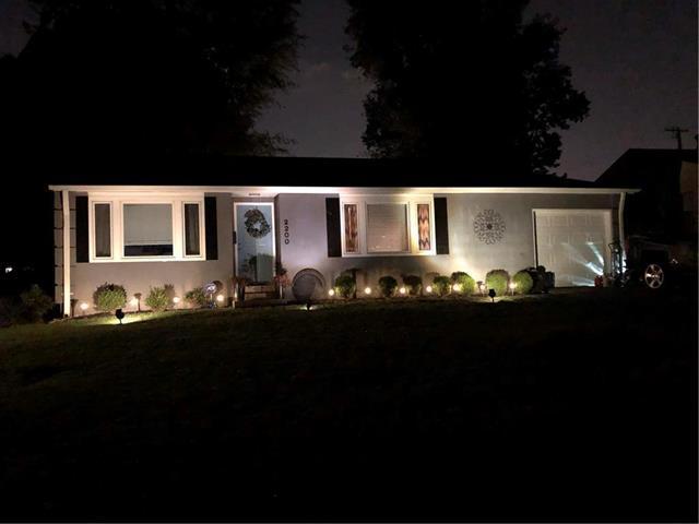 2200 W 74th Terrace, Prairie Village, KS 66208 (#2146554) :: Edie Waters Network