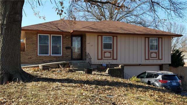 1204 S 51st Terrace, Kansas City, KS 66106 (#2146580) :: No Borders Real Estate
