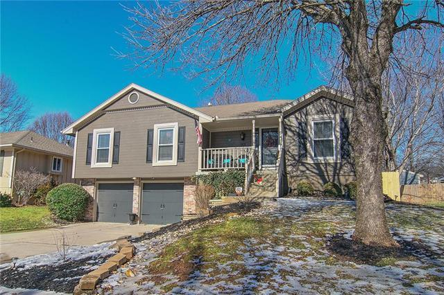 1101 SW Eastman Street, Blue Springs, MO 64015 (#2146646) :: Edie Waters Network