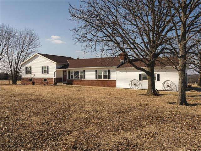 38195 Us Hwy 169 Street, Osawatomie, KS 66064 (#2146797) :: House of Couse Group