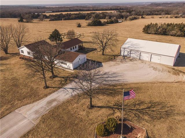 38195 169 Highway, Osawatomie, KS 66064 (#2146810) :: House of Couse Group