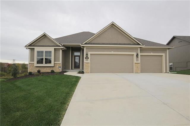 8117 NW 89th Terrace, Kansas City, MO 64153 (#2146841) :: Edie Waters Network
