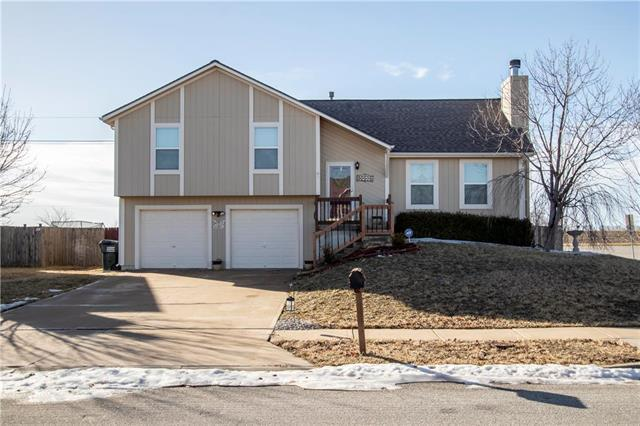 32595 W 174th Terrace, Gardner, KS 66030 (#2146885) :: Team Real Estate