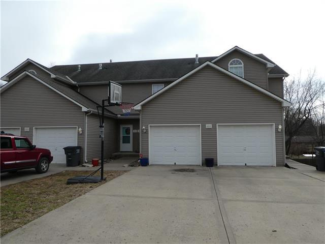 1010 Renee Lynde Drive #C, Pleasant Hill, MO 64080 (#2146951) :: No Borders Real Estate