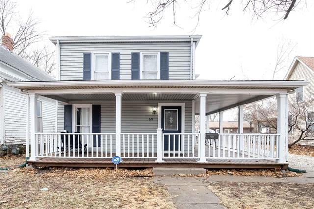 626 S Walnut Street, Ottawa, KS 66067 (#2146997) :: Edie Waters Network