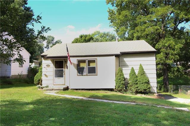 3000 S Scott Avenue, Independence, MO 64052 (#2147054) :: Edie Waters Network